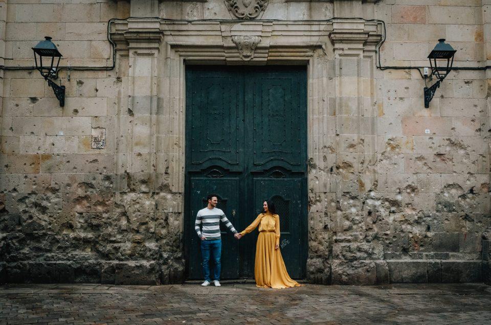 Pedida de mano sorpresa en el Barrio Gótico de Barcelona